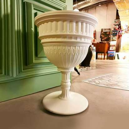 Capitol Sidetable photo gallery 1